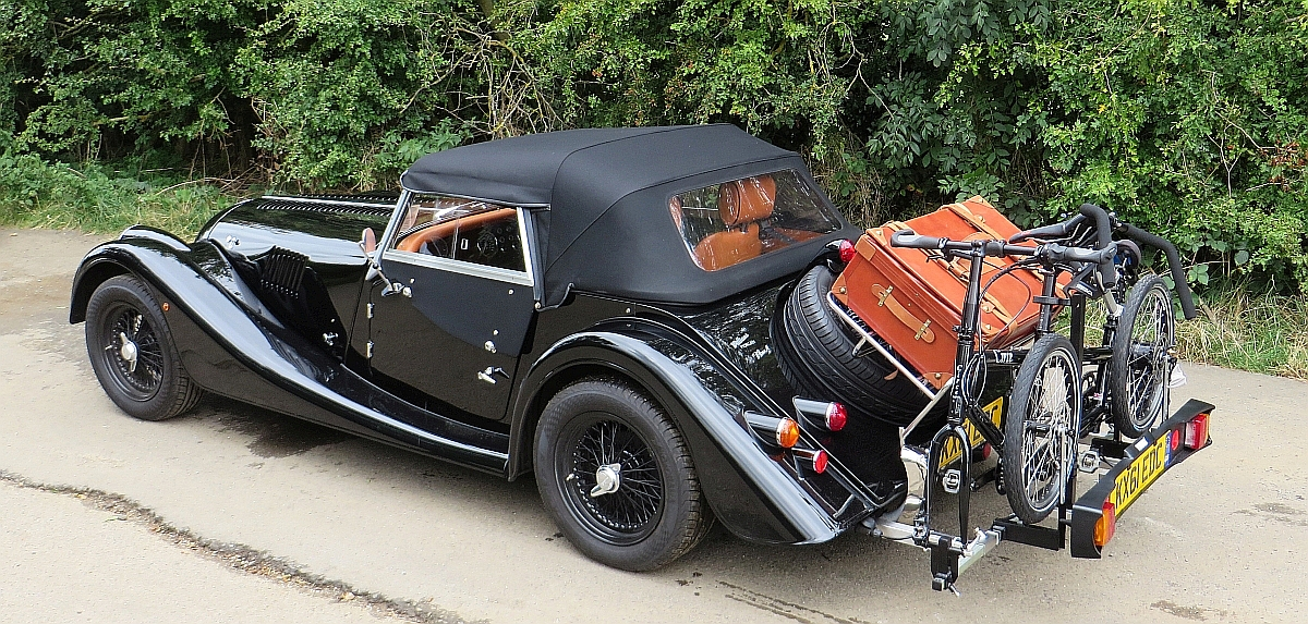 Transporting an Circe Helios tandem on a Morgan sports car